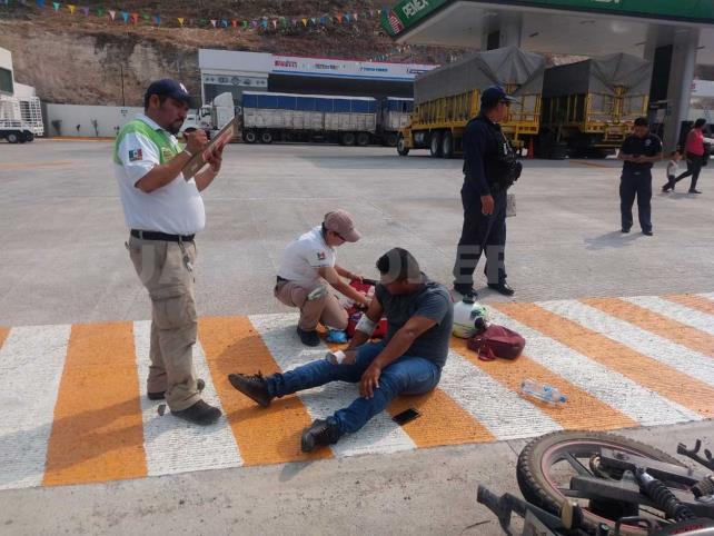 Conductora impacta contra un motociclista