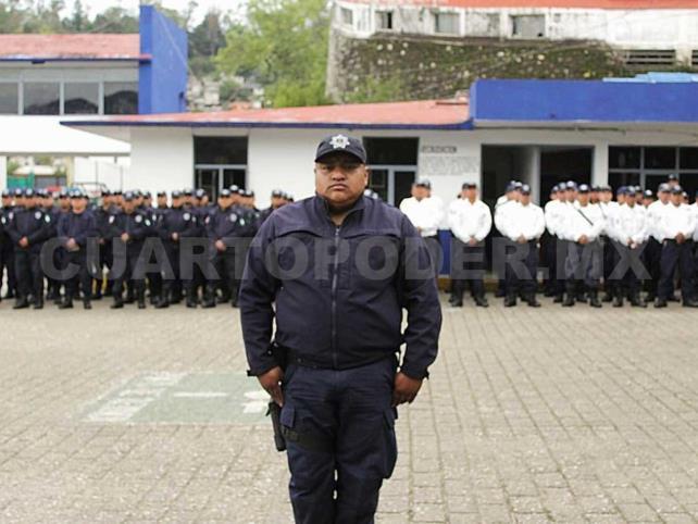 Reconocen a policía por su destacado trabajo