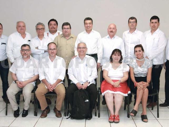 Se reúne REC con expertos que estudian el dengue