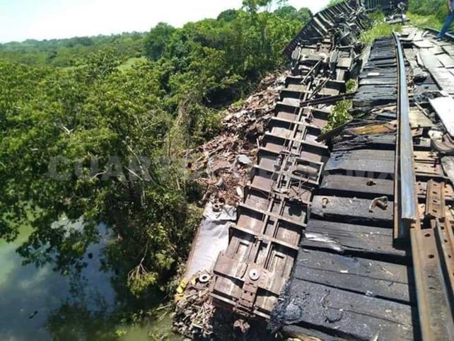 """Se descarrila """"La Bestia"""" en tramo Tenosique-Palenque"""