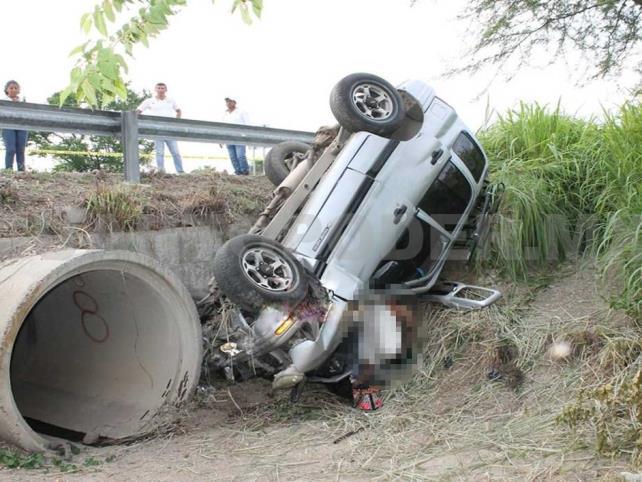 Mueren dos mujeres y un hombre en accidente