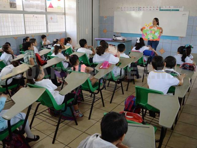 Mejora educativa sin castigar al maestro, propone MXM