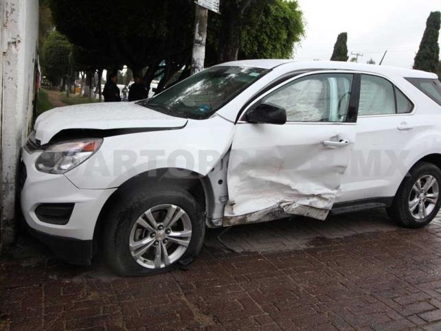 Dos niños lesionados en accidente automovilístico