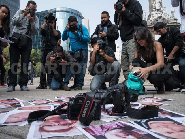 Organizaciones piden proteger a dos periodistas