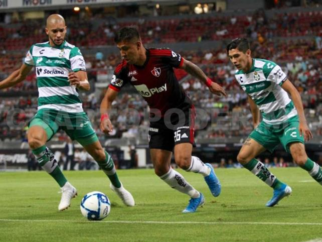 Sufrida victoria de Santos ante Atlas