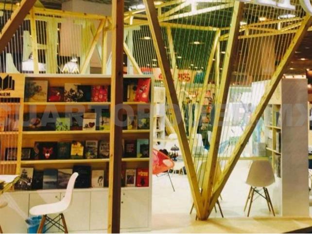 Taibo se va en contra de escritores