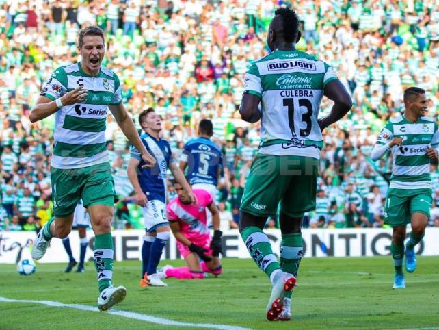 Santos golea a Puebla y lidera el Apertura