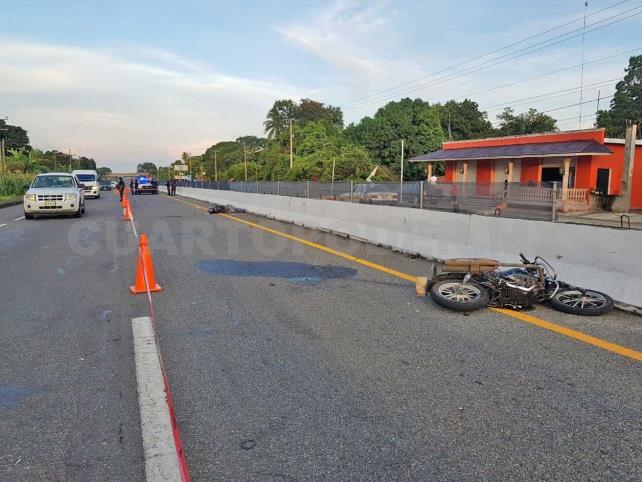 Pierde la vida motociclista impactado por vehículo