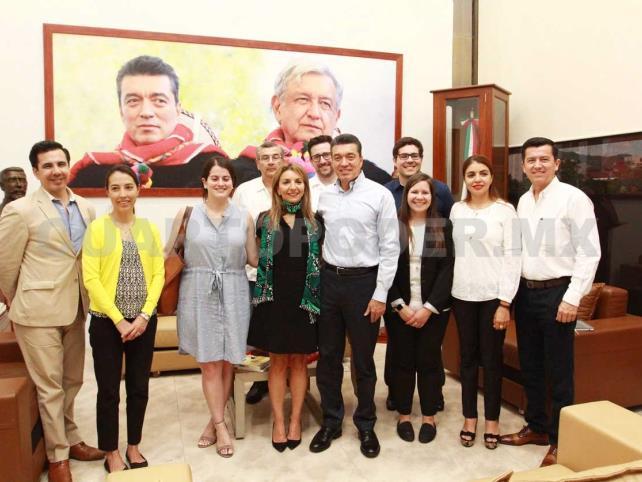 Gobernador se reúne con delegación de inversionistas