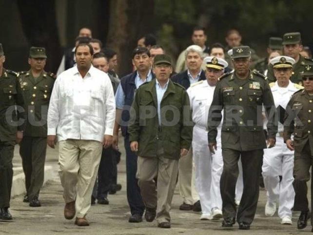 "AMLO llama a Calderón, ""Comandante Borolas"""