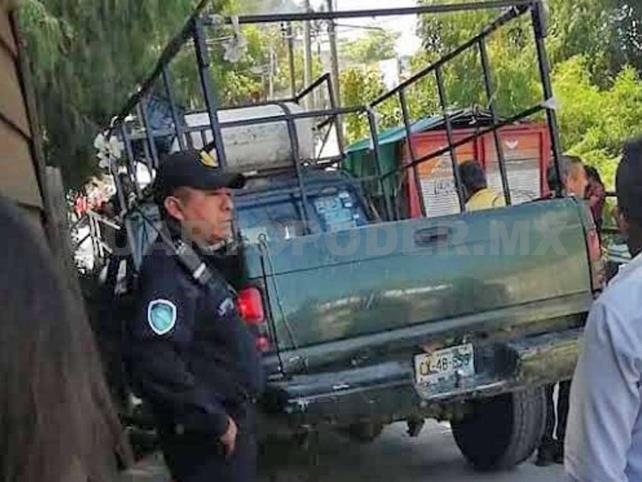 Mujer muere tras ser arrollada por camioneta