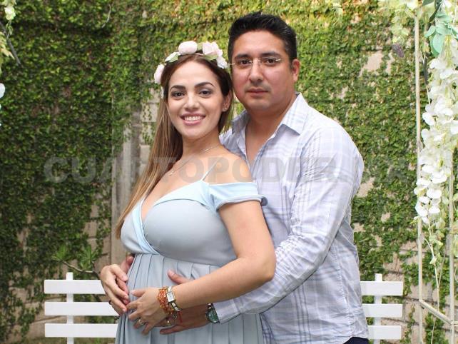 Karla, en espera de Ángel Gabriel