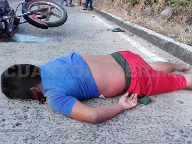 Joven motociclista muere al derrapar en la carretera