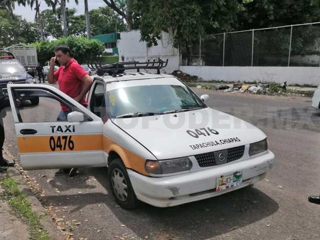 Detienen a dos hombres con más de 400 mil pesos