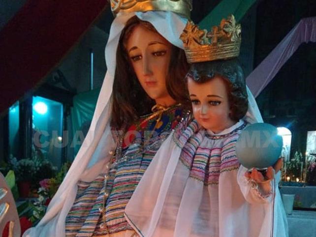Celebran a la Virgen de la Natividad
