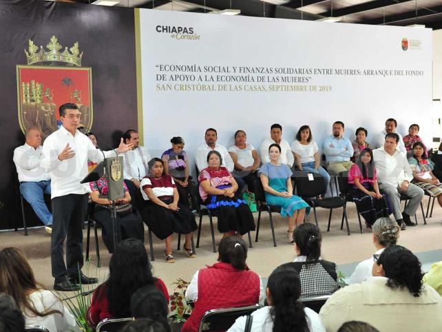 Impulsa REC banca social con perspectiva de género