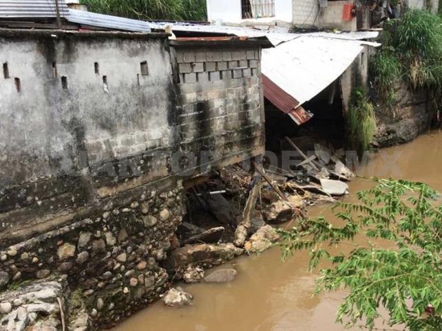 Lluvia salda con daños a viviendas