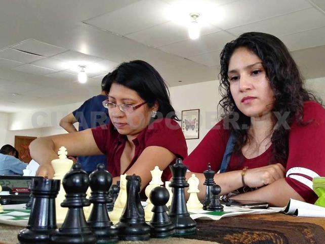 Romel y Valeria dominaron los 64 cuadros