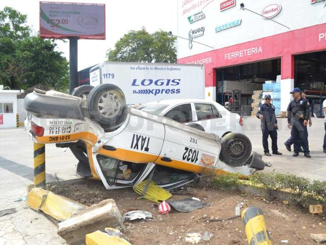 Sobrevive familia a un espectacular accidente
