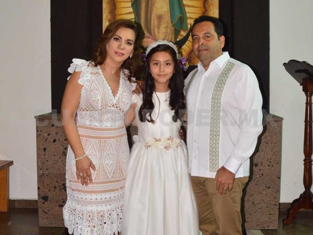 Encantada de recibir el sacramento