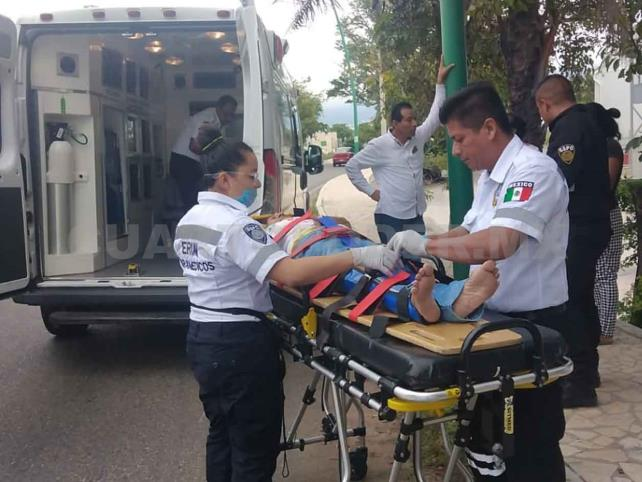 Peatón es arrollado por moto en el libramiento