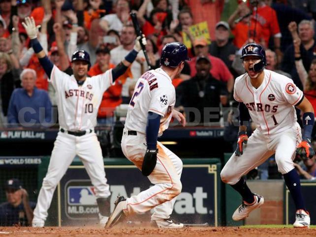 Los Astros igualan la serie