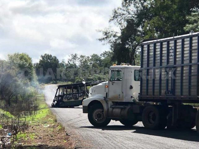 Personas armadas se enfrentan en Tocumbo