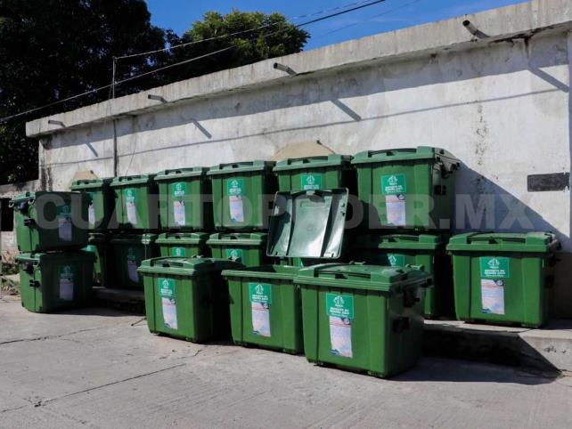 Piden a la ciudadanía cuidar contenedores para basura