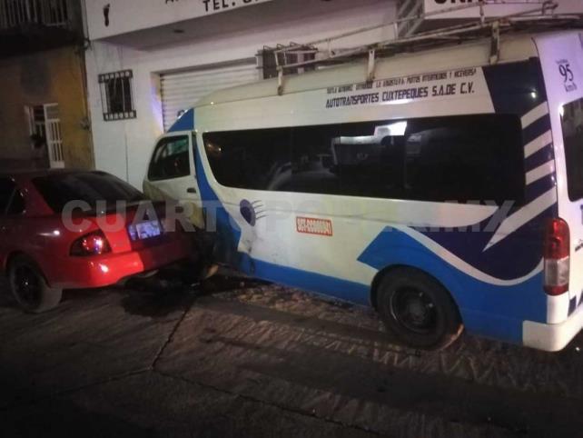Seis lesionados en choque de colectivo