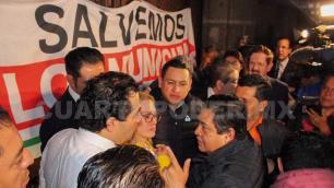 Alcaldes protestan en Palacio Nacional