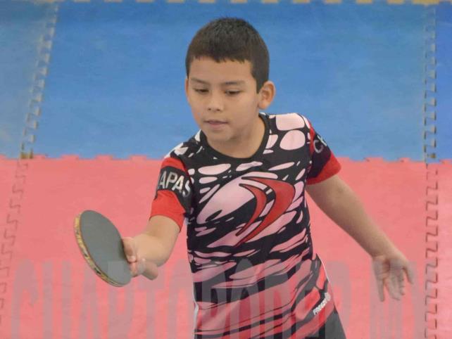 Alistan las raquetas para la Copa Navideña