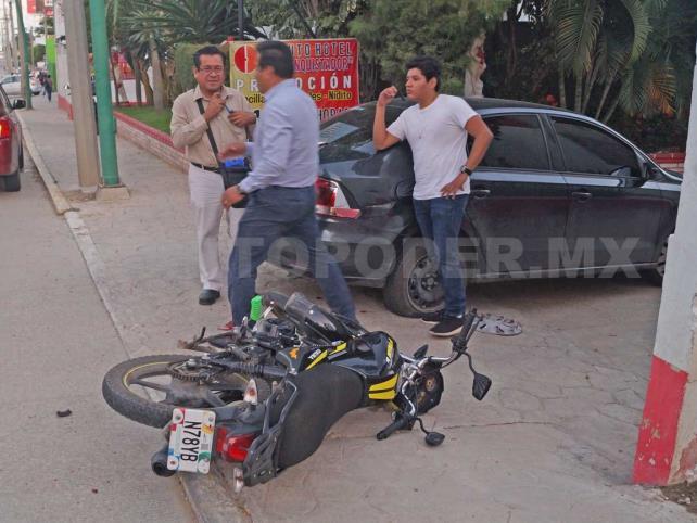 Joven motorista herido durante percance vial