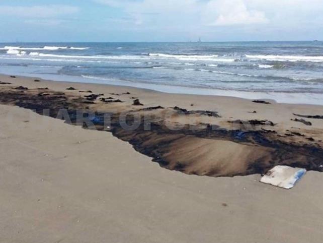 Cierran playas en Tabasco por derrame