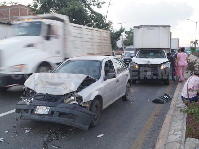 Carambola vehicular se salda con una lesionada