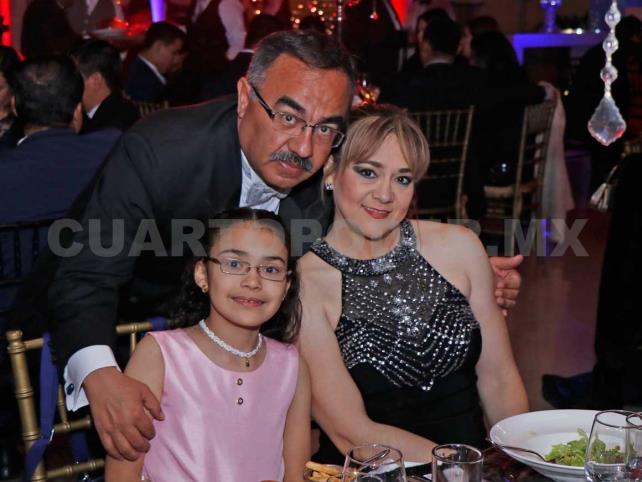 Cena de gala para Ximena