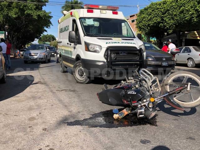 Motociclista es arrollado por Aveo en la 5ª Norte