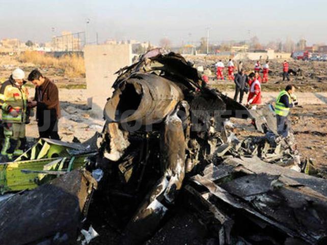 """Señalan """"negligencia"""" de Irán tras derribar avión"""