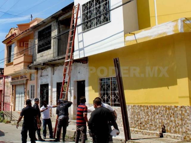 Obreros quedan heridos tras descarga eléctrica