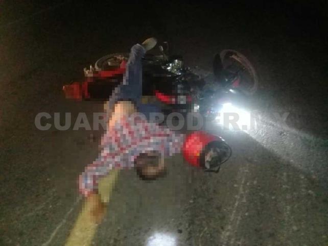 Tres heridos en choquede dos motocicletas