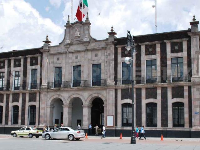 Gobierno Municipal de Toluca recorta personal