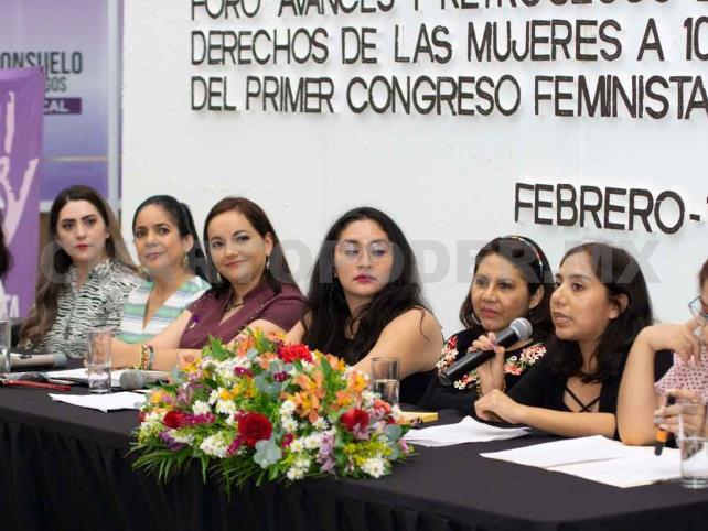 Analizan avances en los derechos de las mujeres