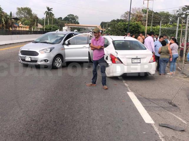 Menor lesionada en choque de autos