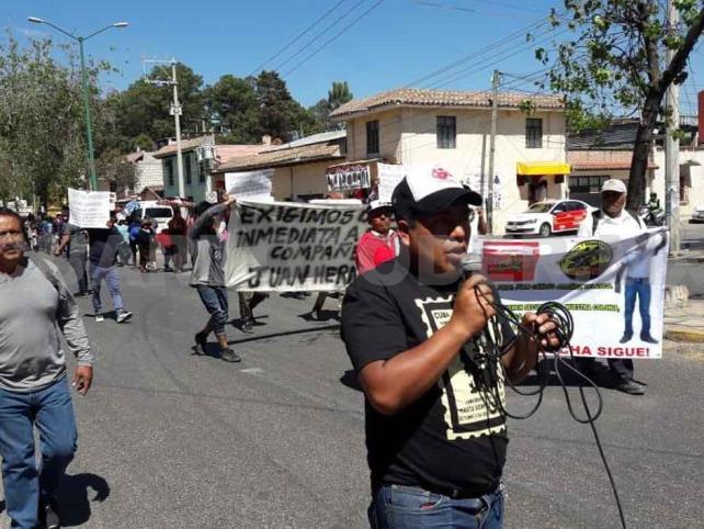 Con marcha recuerdan asesinato de maestro