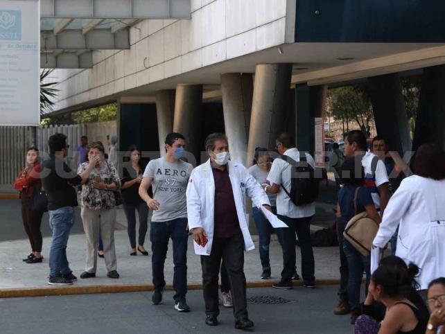 Gobierno suspende labores; van 475 casos y 6 muertos