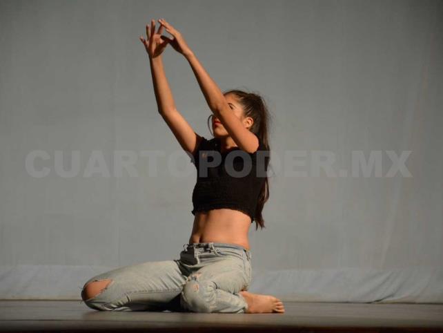 Licenciatura en Danza del Ceunach, abierta
