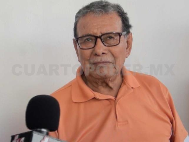 Manuel de la Cruz lleva años elaborando joyonaqués