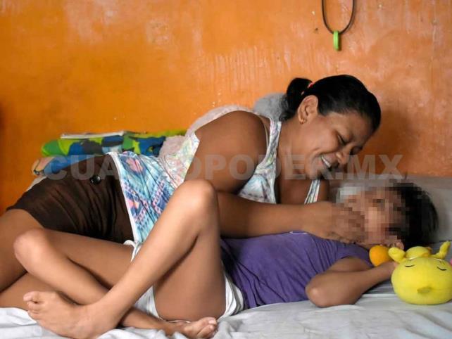 Ante pandemia, busca apoyo para sus 3 hijos