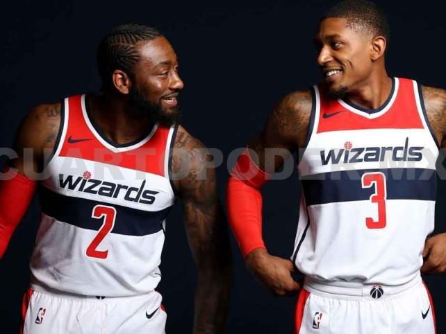 Wizards regresan con guantes y tapabocas