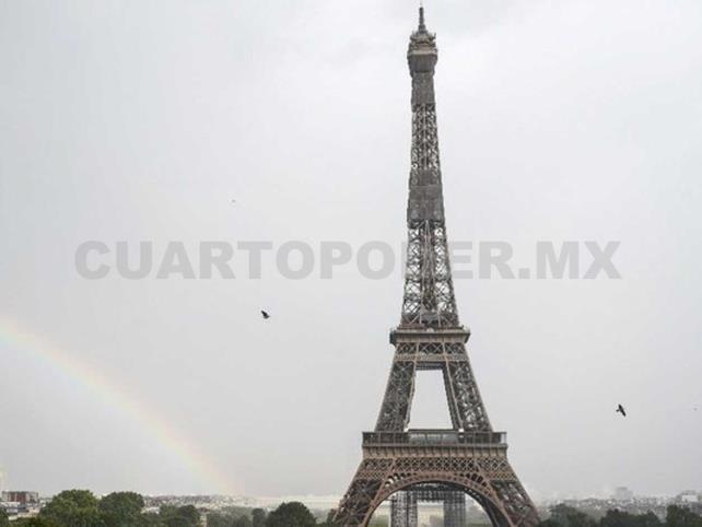 La Torre Eiffel vuelve a recibir público