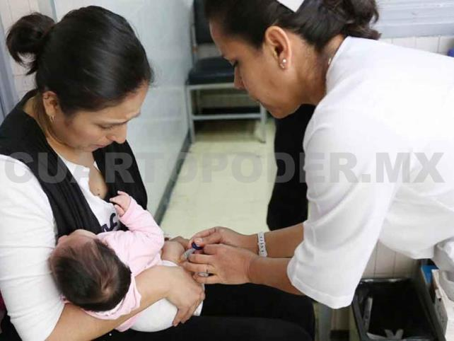 Cae en México cobertura de vacunación infantil
